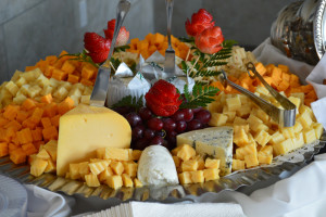 imported_domestic_cheese_display
